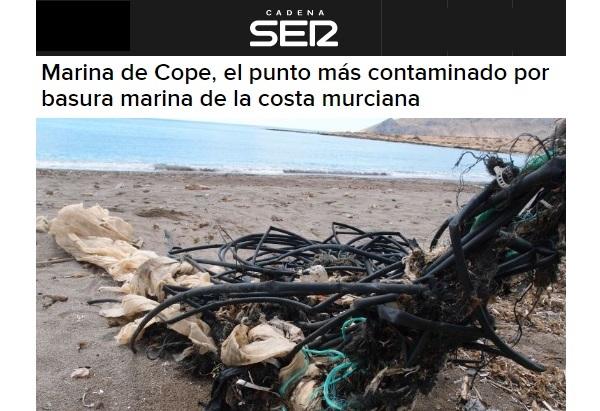 Marina de Cope, el punto más contaminado por basura marina de la costa murciana