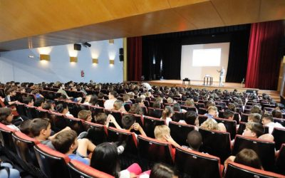 AMBIENTE EUROPEO conciencia a cerca de 600 estudiantes de l'Alfàs del Pi sobre las basuras marinas